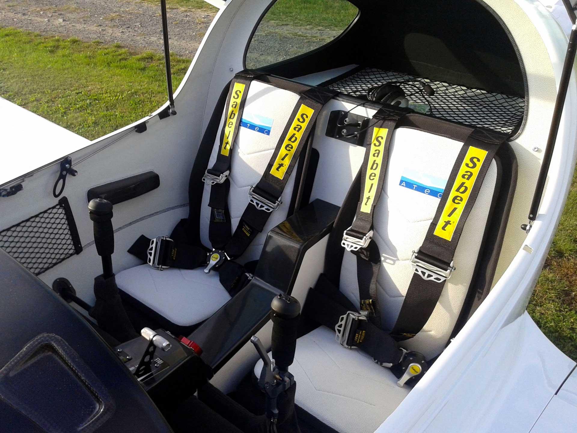 Cockpit du 321 FAETA ATEC by Pelletier